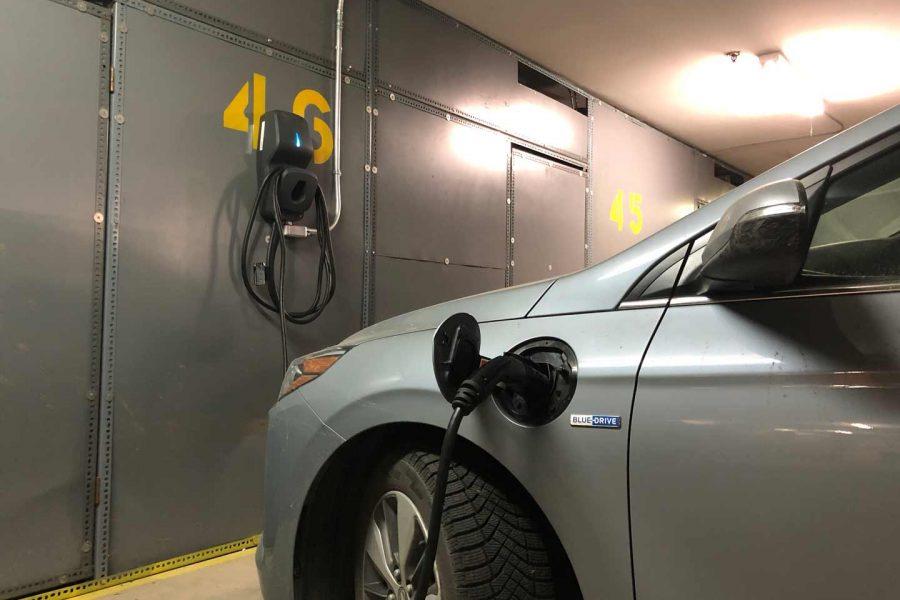 Solutions de recharge pour véhicules électriques en condos.
