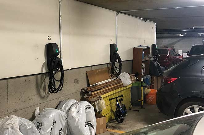Full garage in Saint Henri with new EV chargers after using murbly.com