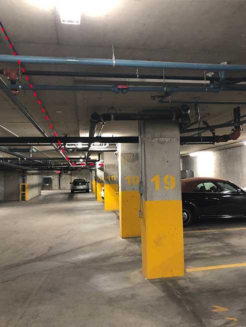 Stationnement intérieur du complexe Urbania   Interior parking lot of the Urbania
