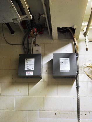 Installation bornes de recharge au Sanctuaire. | Charging stations installation at the Sanctuaire.